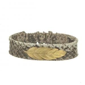 BETTY BOGAERS BRACELET TIGER INDIAN B575 Gold Indian Feather Leather Bracelet GREY WHITE 54,95
