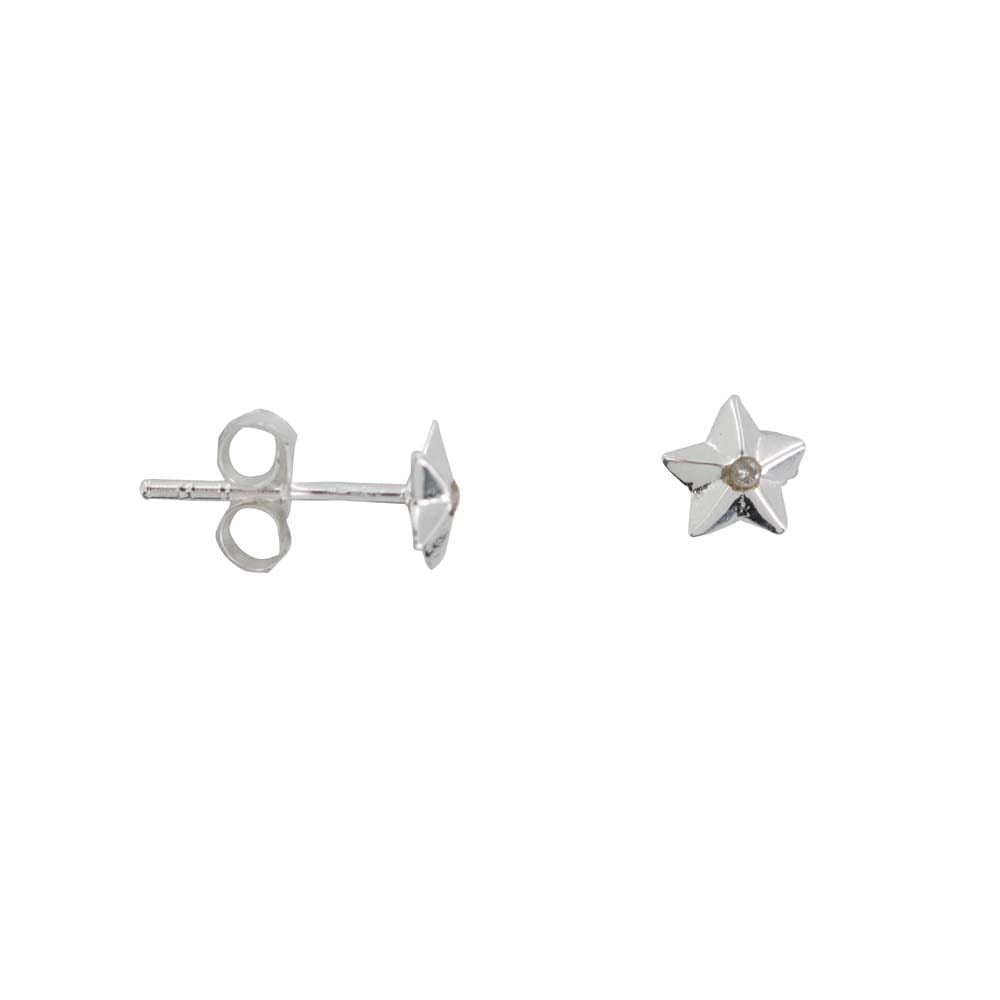 E810a Silver REBELLION EARRING Medium Star Cone White Stone Stud earring 29,95 euro