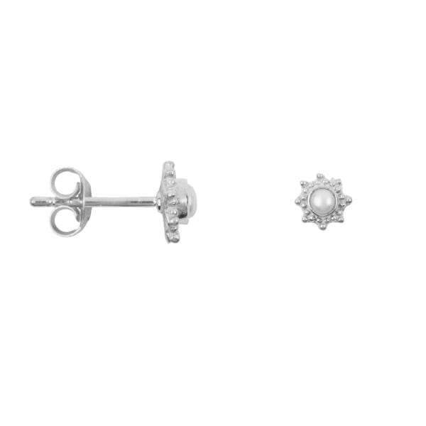 E909 Silver EARRING Antique Dotted Octagon Pearl Stud Earring Silver 29,95 euro