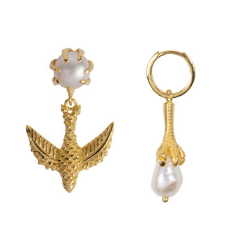 E2052 Gold Bird And Claw Pearl Earring Gold Plated 69,95