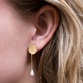 Ten Cent Symmetric Chain Pearl Earring