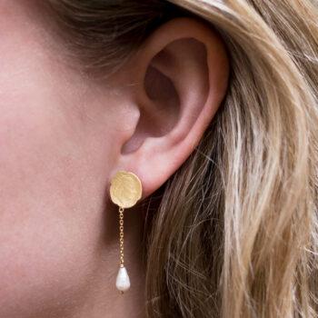 Ten Cent Symmetric Chain Pearl Earring