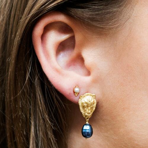 Lion Black Pearl Stud Earring